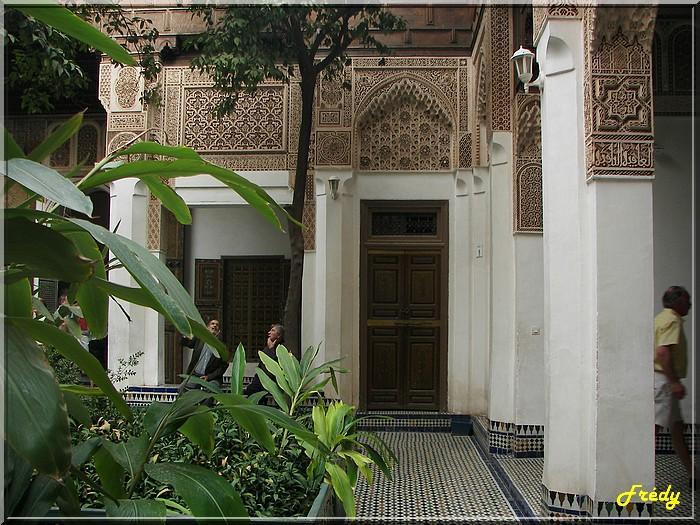Maroc 7ème jour : bâtiments dans Marrakech 20061023_017