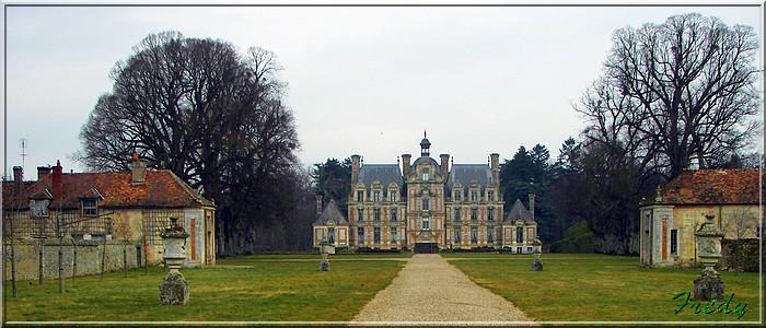 Le sentier de Pierre Ronde (Beaumesnil) 20080221_001