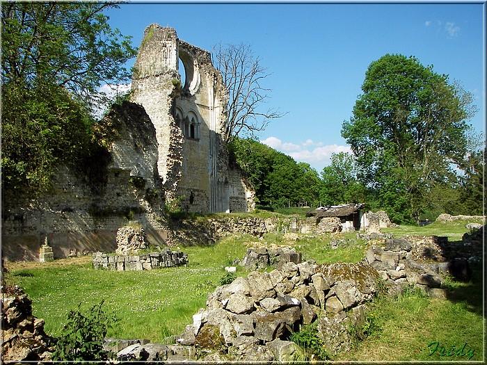 Lyons la Forêt : La Fontaineresse 20080512_096