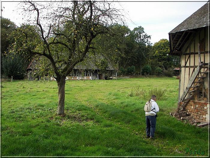 Corneville sur Risle, un goupe de LE 20081004_018