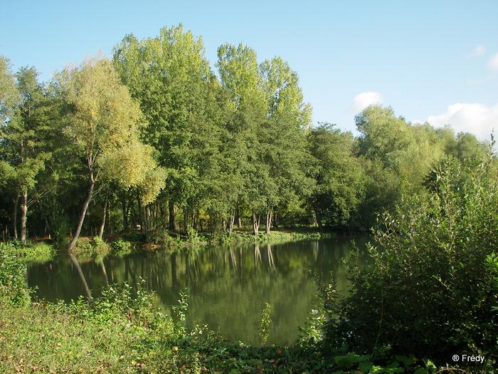 Fontaine Sous Jouy, avec OVS 20091012_048