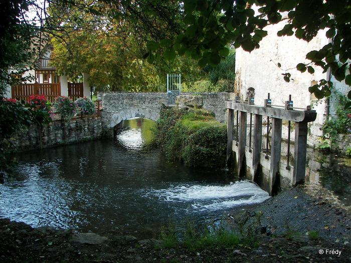 Fontaine Sous Jouy, avec OVS 20091012_057