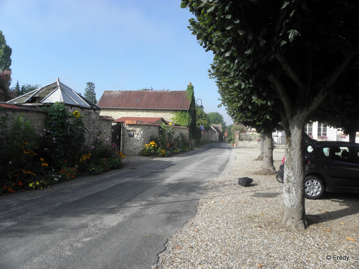 Pressagny L'Orgueilleux, Le Catenay 20110820_001
